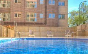 Residencial Adelfas piscina-Vía Célere
