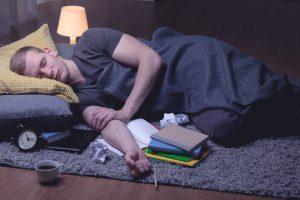 dormir en el suelo