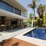 Piscinas de obra o piscinas prefabricadas: ¿Cuál es la mejor opción?