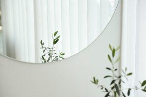 decoración con espejo